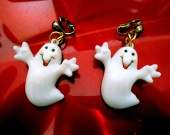 Halloween ghost earrings - white plastic ghost earrings - ghost jewelry