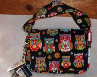 "Wise Owl Coupon Organizer Tote Bag Quilted Sorts Coupons with Key and Pen Holder 7' 'x 9"" X 2"" wide Colorful Owls lines with stripes"