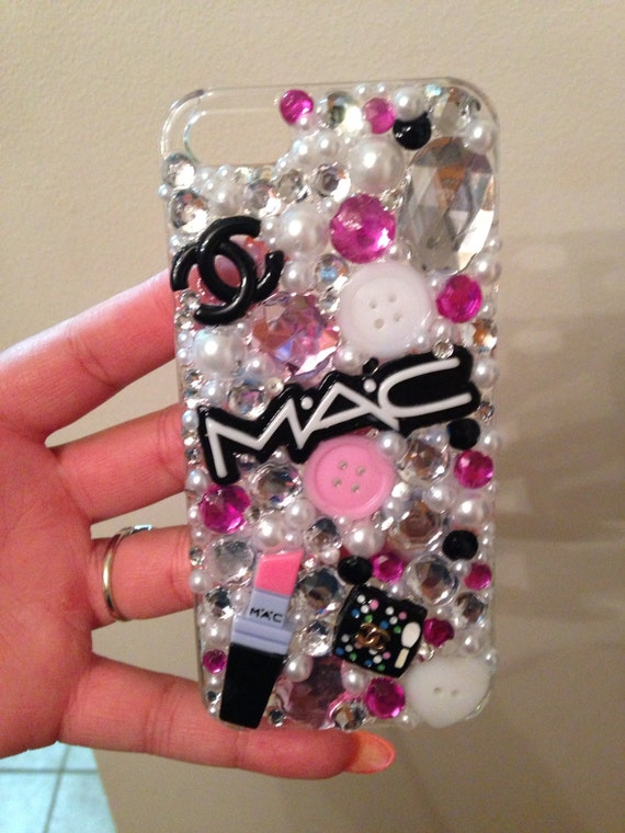 Items similar to Makeup Cell Phone Case on Etsy