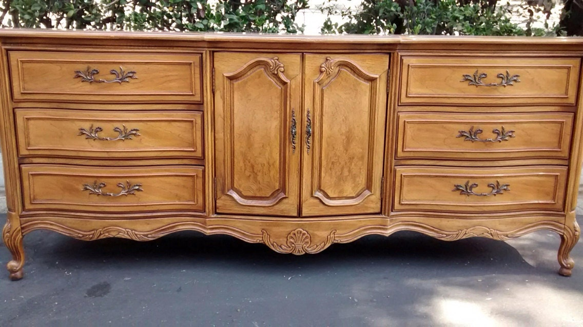 Dresser Thomasville French Provincial Country French Vintage
