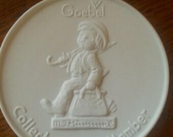 Goebel Collectors' Club Member plaque, M.J. Hummel 1976