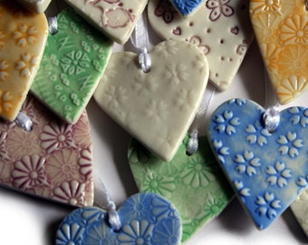 10 Party Favours - Unique Wedding Favours UK - Ceramic Wedding Favors - Wedding Hearts - Table Favors - Bridesmaid Gift - Table gift