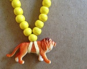 Pray4Trax Necklace Lion Yellow