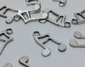 20 Silver Tone Metal Musical Note Charm Pendants 17mm