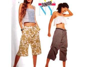 McCall's Sewing Pattern 2578 Junior's Tops, Pants, Shorts  Size:  JR  9/10-11/12-13/14  Uncut