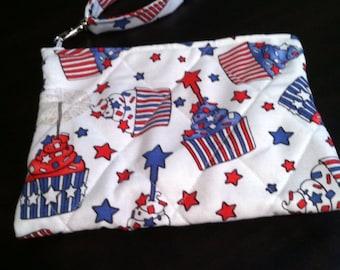 Patriotic cupcake print wristlet
