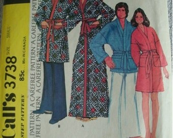 Misses and Men's Vintage Robe Size Small Chest 30-32 McCalls Step-By-Step Carefree Pattern Inspired by film Lost Horizon. UNCUT Pattern 1973
