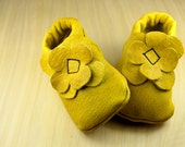 Baby Moccasins-US2-Toddler Moccasin,Leather Moccasins, Handmade, Leather, Flower Moccasin, toddler shoes, moccs, Baby shoes, Baby Booties