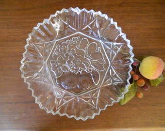 Federal Glass Co. Pioneer Clear Glass Serving Bowl - Fruit Design