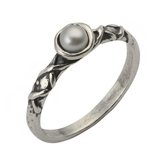 Sterling Silver Delicate Ring Adorned With A Beautifull 4MM Round Fresh Water Pearl