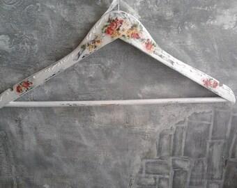 Wedding hanger,Bridal Hanger,Wedding dress hanger ,wedding gift,Custom hanger,Personalized hangers for wedding,wedding hanger with flowers