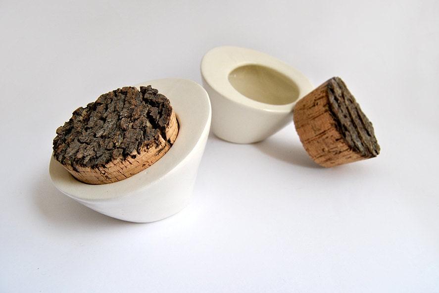 Salero de cocina o caja multiusos en cer mica blanca con tap n for Saleros de cocina