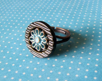 Blue and Brown Flower Button Ring