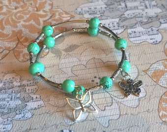 Memory wire teal beaded bracelet