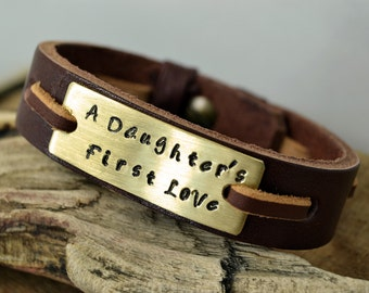 Men's Personalized Bracelet,Men Leather Bracelet,Personalized hand stamped bracelet,Fathers day gift,Valentines Day Gift,Daughters gift