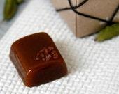 Party Box - 2lbs Cardamom Vanilla Cognac Caramels with Hawaiian Sea Salt