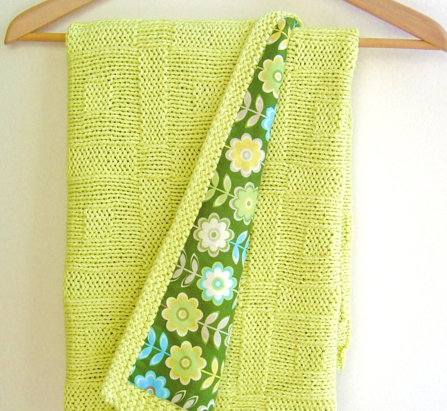 Knitting Blankets For Babies : Knitting pattern baby blanket easy beginner