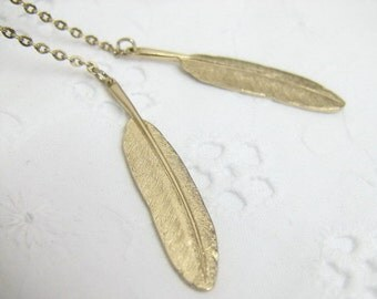 Avon feather flurry Lariat Necklace in 1980