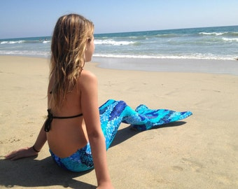 Beautiful Mermaid Tail and Monofin ! Get ready for Spring and Summer !