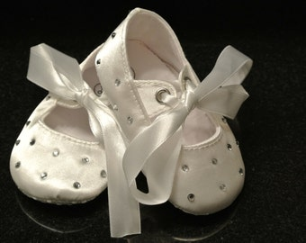 Ivory lace baby shoes is just right for your by CallaAnnDesigns