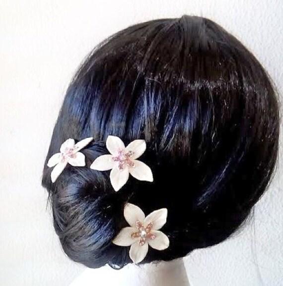 fleurs blanches pour les cheveux mariage par nikushjewelryart. Black Bedroom Furniture Sets. Home Design Ideas