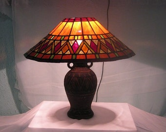 Stained glass Tiffany stile table lamp