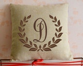 Custom initial pillow cover,Personalized laurel wreath cushion case,linen cotton cushion case,home decor pillow,18*18 Graduation Gift idea