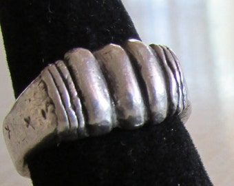 Heavy Vintage Sterling Silver Ring Size 8