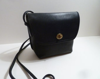 Classic Vintage Coach Quincy bag Navy leatherware  brass turnlock