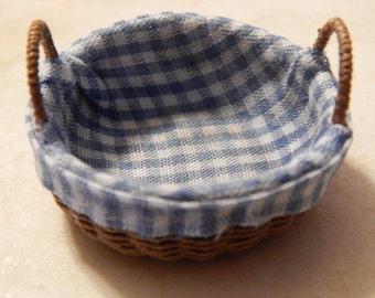 Miniature basket