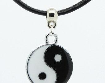Enamelled Yin Yang charm on leather choker / necklace - Vintage / hippy / hippie retro surfer chocker (ying yan) peace harmony nature