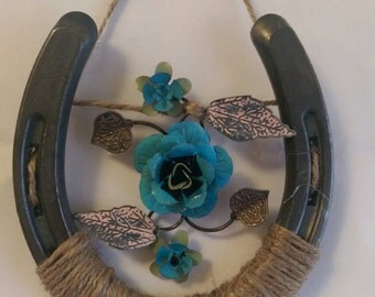 Horseshoe Flower Wall Decor
