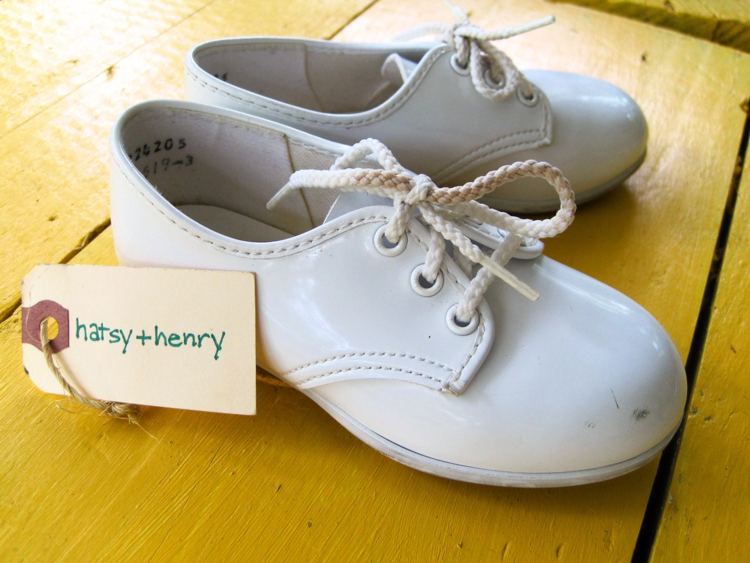 vintage size 7 white patent leather baby shoes vintage