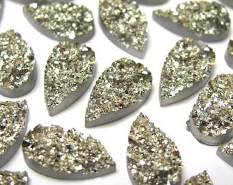 10 pcs Faux druzy cabochon pear silver 16x9 mm