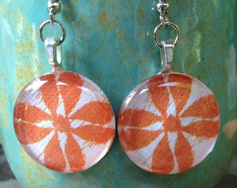 Charming circle glass dangle earrings in orange flower