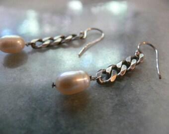soft pink pearl earrings