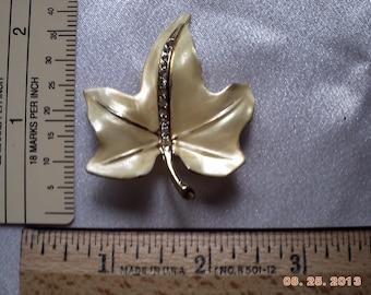 Gold-toned leaf pin