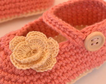 Crochet with flower baby Mary Janes