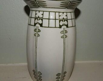 Art Deco Royal Doulton vase Caryl pattern