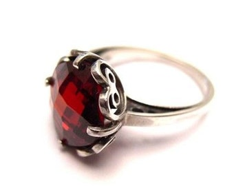 Sterling Silver 925 Ring with Garnet & Gold 9Ct
