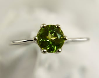 Sterling Silver Peridot 6mm Ring