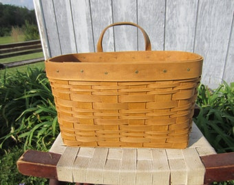 Small Mail Basket
