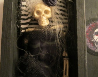 HaNdCrAfTeD AlTeREd PeNcIl BoX NoIr & BlEu UMA RIP CoFFiN OOAK SkElEtOn