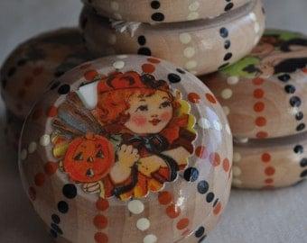 Wooden Yo-yo -- Nostalgic Halloween -- Trick or Treat