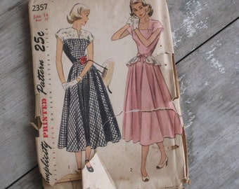 Vintage 1949 Sewing Pattern by Simplicity Dress with Peplum 2357 (4231-W)