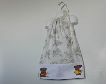 Teddy Bear Picnic. Girls Upcycled Dress. Girls Custom Dress. Pillowcase Dress. Floral Dress. Fall Dress. Birthday Dress. Teddy Bears.