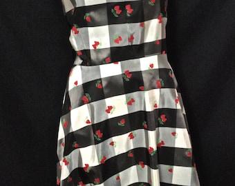 """Cute Vintage 1950's Strawberry Checker Print Rockabilly Day Dress VLV M/30"""""""