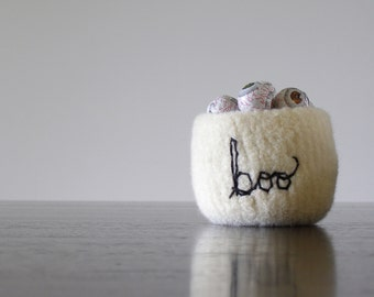 """Halloween boo bowl - felted wool bowl in white with embroidered word """"boo"""" in black - decor, decoration, candy bowl, simple, embroidery"""