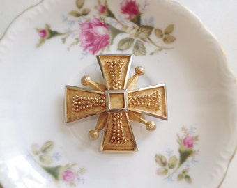 Vintage Maltese Cross Brooch. Large Pin. 1960s. BSK Jewelry. Vintage Pin. Pendant. Nail Head Design. Gold Tone. Metallic. Statement Pin.
