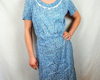 Vintage 1940s 50s Floral Cotton Day Dress